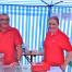 2. Vorsitzender Normann Wenke und Tochter hinter der Theke